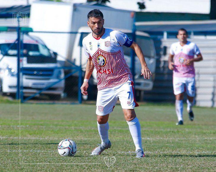 Referente. Santiago Salcedo delantero de San Lorenzo.