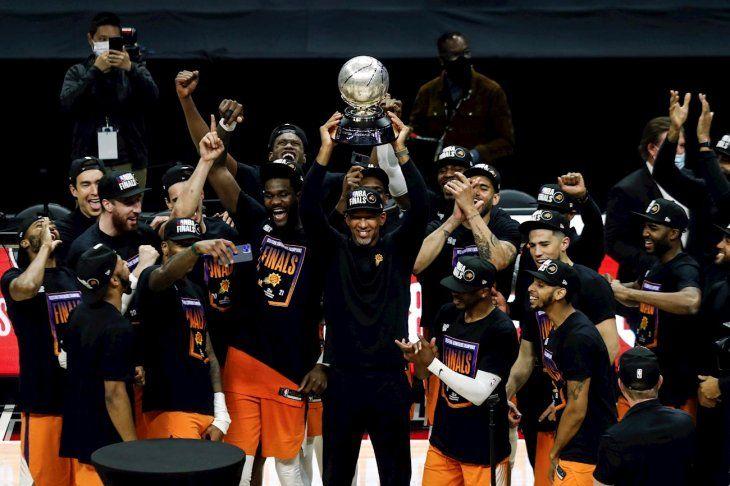 El entrenador de los Phoenix Suns