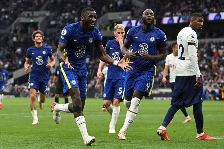 Chelsea le ganó al Tottenham por Premier League.