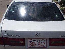 La víctima se encontraba en compañía de Víctor Ramón Ramos Benítez, de  41 años, a bordo de un automóvil que recibió siete a ocho impactos de bala de arma de  fuego, todos en la parte trasera.