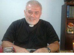 El sacerdote Gustavo Palacios manifestó que como parroquia quieren  asistir a los familiares de los pacientes que están internados por Covid-19 en el Ineram y en el Hospital de Clínicas.