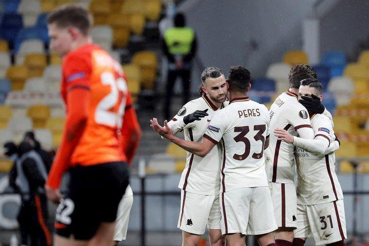 La Roma avanzó de fase en la Europa League.