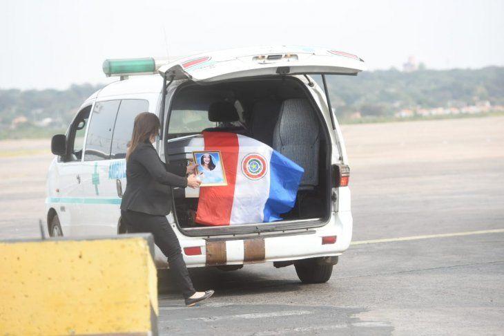 Una ambulancia llevará los restos hasta una funeraria para luego partir hacia Guairá-
