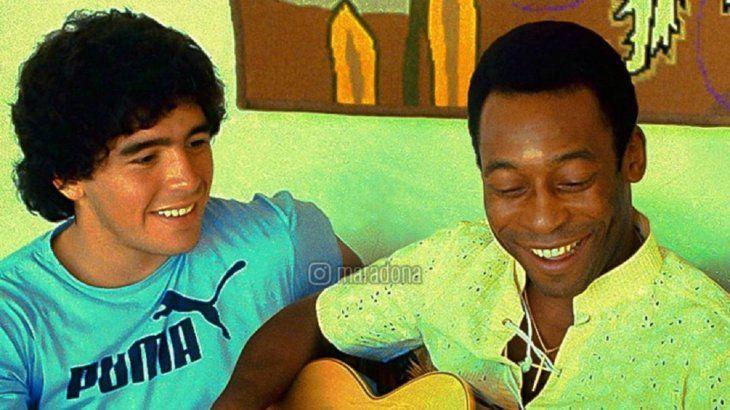 Pelé lamentó la muerte de Diego Maradona.