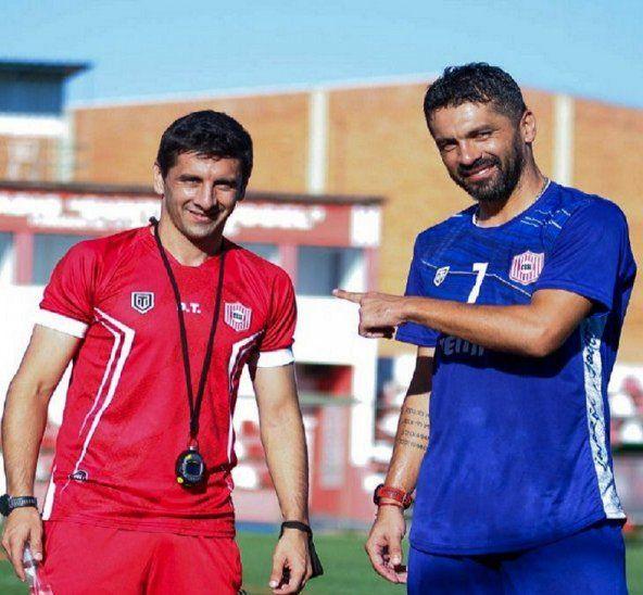 José Domingo Salcedo posa con su hermano Santiago Salcedo en el Rayadito.