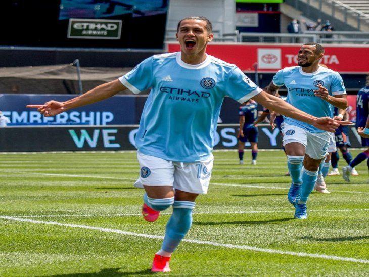 Jesús Medina madrugó con el primer gol cuando se cumplía el minuto cinco del partido.