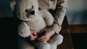La niña falleció en la mañana de este sábado, tras estar internada en grave estado y luchar por su vida en la Unidad de Terapia Intensiva (UTI) del Hospital de Clínicas, tras ser víctima de abuso sexual.