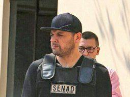 Reinaldo Cucho Cabaña se encuentra imputado por los supuestos hechos de tráfico de drogas, provisión de medios de transporte para el tráfico de drogas, asociación criminal, comercialización de estupefacientes y lavado de dinero.