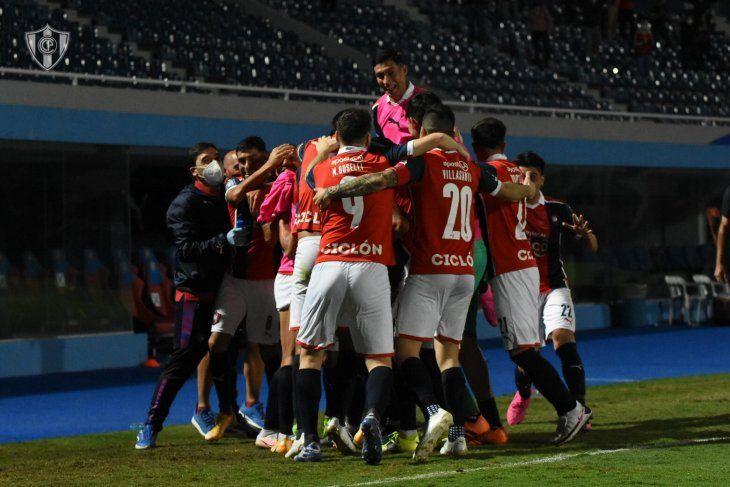 Cerro Porteño buscará ante América de Cali su clasificación a octavos de final de la Copa Libertadores.