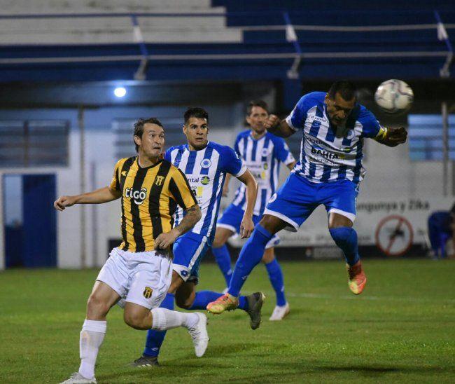 12 de Octubre y Guaraní empataron 1-1.