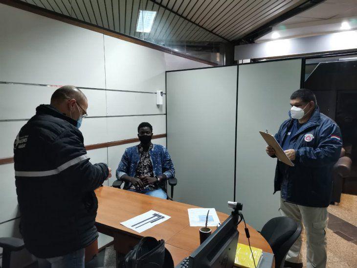 El extranjero de origen senegalés