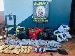 Los antidrogas incautaron 56 kilos de marihuana picada distribuida en nueve bolsas, 11 kilos de la hierba picada que estaban en 22 paquetes y 14 kilos de la droga prensada.