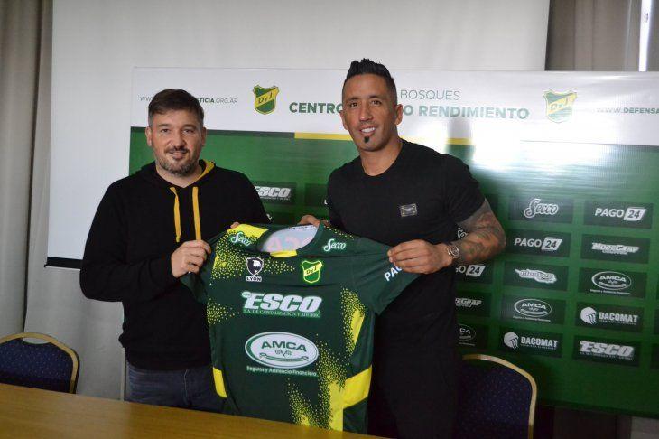 El paraguayo Lucas Barrios es la nueva incorporación del club argentino Defensa y Justicia.