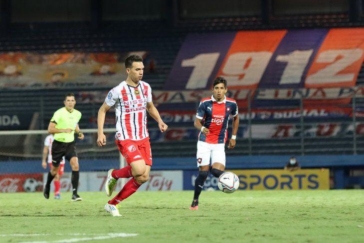 Pablo Zeballos durante el partido contra Cerro Porteño.