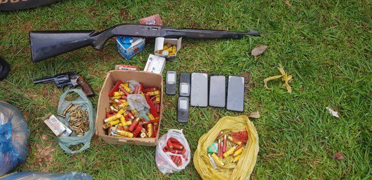 Los intervinientes incautaron una escopeta calibre 12 milímetros