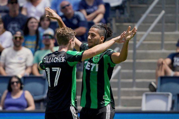 Cecilio Domínguez festeja su gol para el Austin FC en la MLS.