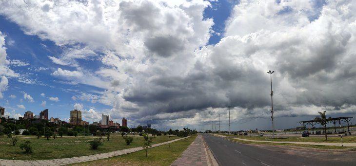 Clima caluroso y con cielo nublado para esta jornada.