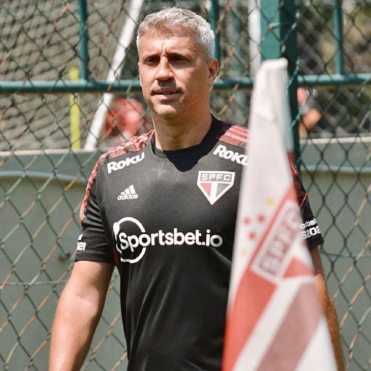 Hernán Crespo dejó de ser entrenador del Sao Paulo.