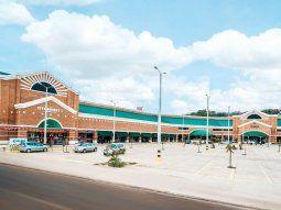 El shopping se encuentra funcionando, siguiendo un estricto protocolo sanitario para resguardar la salud de clientes, colaboradores y público en general.