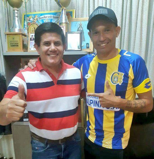 El vicepresidente Óscar Barreto junto a un viejo conocido y refuerzo del club