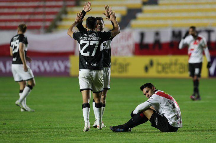 Olimpia celebró en la altura de La Paz ante Always Ready de Bolivia.