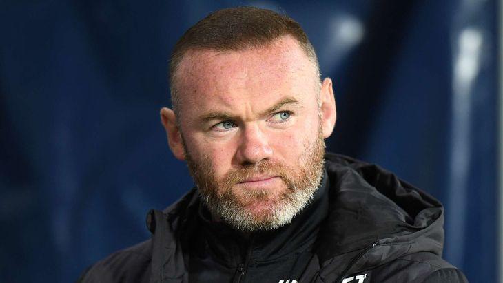 Rooney seguirá en el Derby County pese a la situación económica.