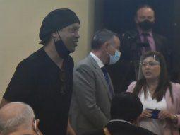 Ronaldinho y su hermano Roberto presentaron una nota al Codena pidiendo la autorización para la salida de un vuelo que los lleve con destino al Brasil.