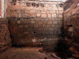 Las excavaciones dieron como resultado el hallazgo de un espacio abierto  del Palacio de Axayácatl, gobernante que dirigió los destinos de  Tenochtitlán entre 1469 y 1481.