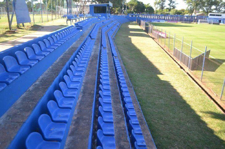 Vista de un sector del estadio Luis Alfonso Giagni de Sol de América.