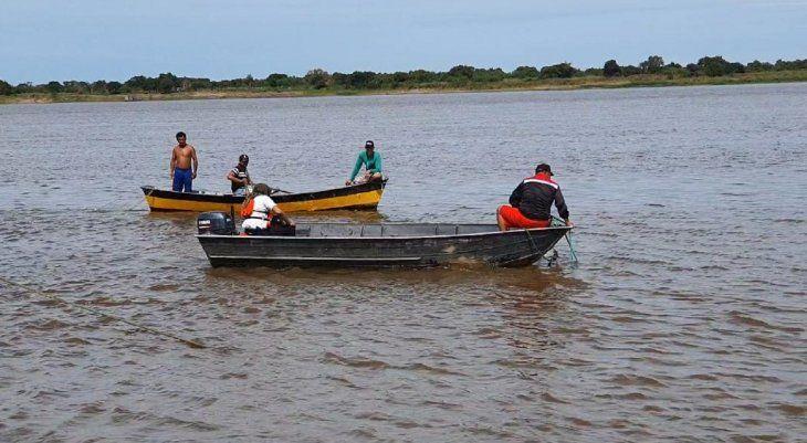 Pescadores de la zona de Asunción en el río Paraguay.