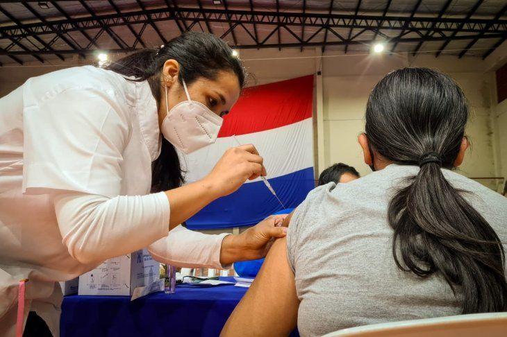 El doctor Héctor Castro manifestó que las dosis contra el Covid-19 están garantizadas en el marco del inicio de la segunda fase del plan de vacunación.