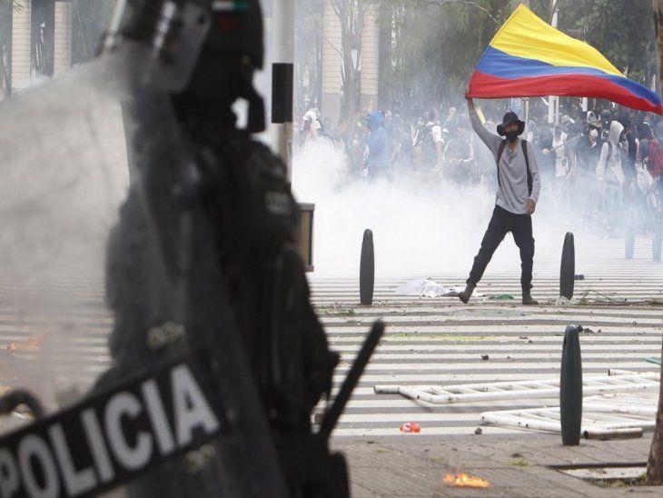 Temor. Las protestas continúan en Colombia y se prevé un gran operativo policial para resguardar el juego ante Argentina.