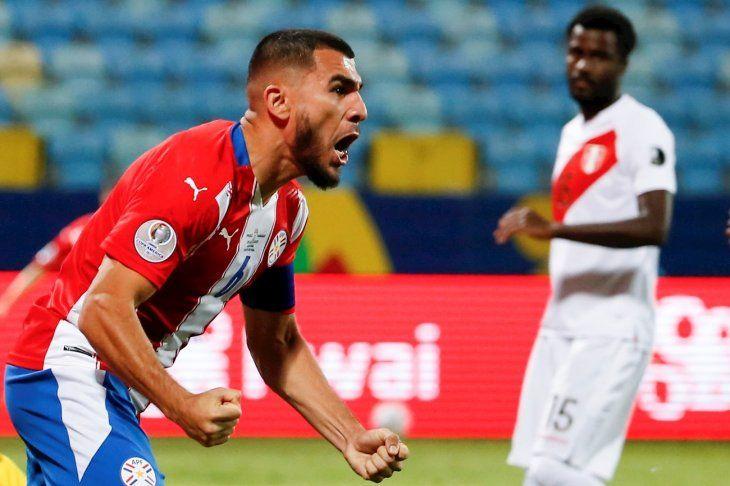 Junior Alonso marcó el empate transitorio ante Perú.