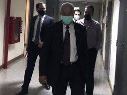 El senador Rodolfo Friedmann acudió en horas de la mañana al Palacio de Justicia, en donde debía  tener su audiencia de imposición de medidas cautelares ante el juez  Humberto Otazú.