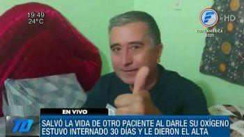 El docente Gilberto Alvarenga, quien luego de 30 días de haber estado internado en el Hospital Distrital de Carapeguá, en el Departamento de Paraguarí, recibió este miércoles su alta médica, tras vencer al Covid-19.