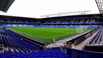 El Everton indicó en un comunicado publicado en su página web oficial que seguirá apoyando las autoridades en sus consultas y no hará más declaraciones.