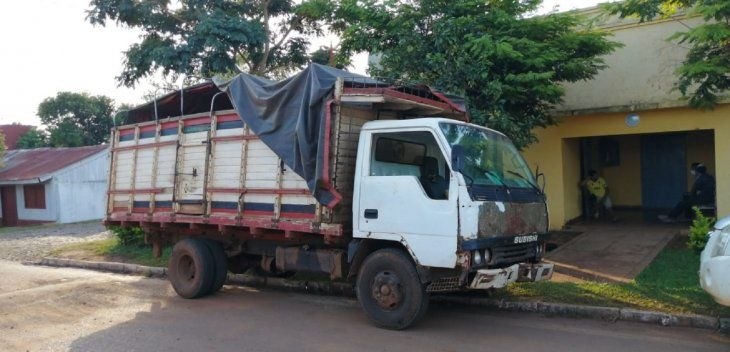 Las víctimas se encontraban realizando la entrega de mercaderías a bordo  de un camión de la marca Mitsubishi