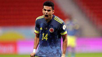 Luis Díaz nació en Barrancas, un caserío en la Guajira colombiana, en donde tuvo la suerte de que su padre fuera el instructor y dueño de una humilde escuela de fútbol. En la Copa América disputada en Brasil fue la revelación de torneo.