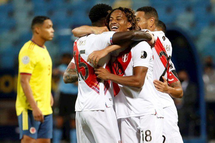 Perú sonrió frente a Colombia.