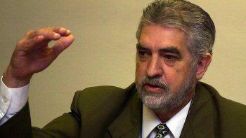 El senador Miguel Fulgencio Kencho Rodríguez se jactó este miércoles de haber arreglado la deuda de Itaipú al 2023, tras la dolarización de todos los compromisos que tenía la Itaipú.