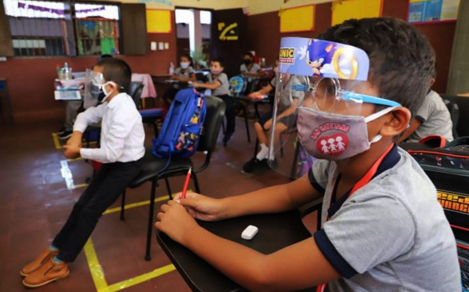 Clases. Ante ingreso de temporada de calor se recomienda ventilar los salones al utilizar el aire acondicionado a modo de evitar contagio masivo de Covid en instituciones.