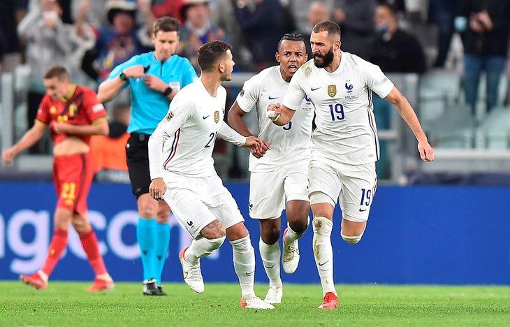 Jugadores de Francia celebran un gol ante Bélgica.