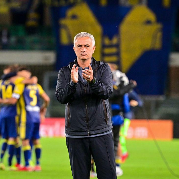 José Mourinho perdió su invicto como entrenador de la Roma ante el Hellas Verona.