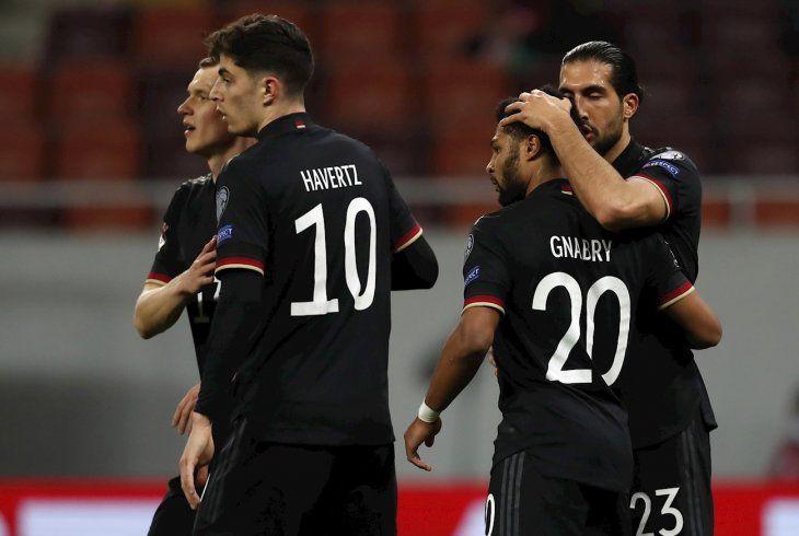 Jugadores de Alemania celebran un gol.