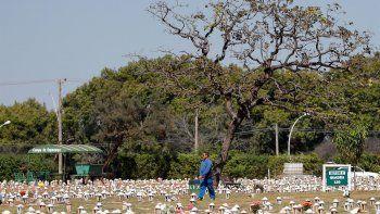 Brasil superó este sábado el listón de los 500.000 muertos por Covid-19, en momentos en los que el gigante sudamericano se encamina a una tercera ola de la enfermedad.