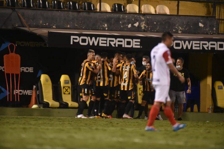 Guaraní se quedó con la victoria ante Cerro Porteño.
