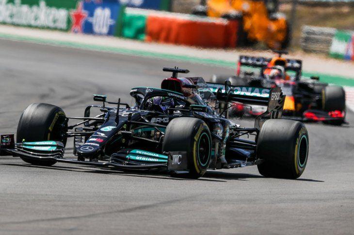 El final del Gran Premio de Portugal de Fórmula 1 fue una locura.