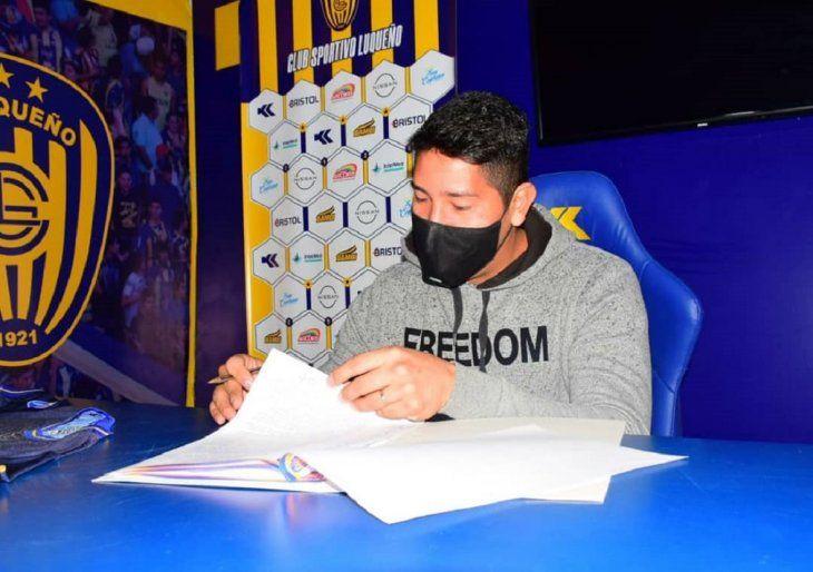 Pablo Gavilán estampó su firma y se convirtió en el nuevo refuerzo de Sportivo Luqueño.