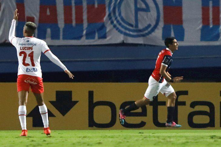 Cerro Porteño festejó en la Copa Libertadores con gol de Enzo Giménez.