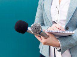 Estudiar periodismo permite ejercer la profesión en los diversos medios de comunicación: radio, televisión y prensa escrita en empresas públicas y privadas, así como en organizaciones nacionales e internacionales, incluyendo las ONG. Foto: Gentileza.